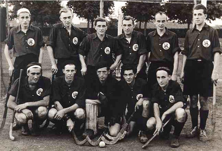 1. Mannschaft 1949 (stehend: Joos, R. Bühler, Kranich II, Kranich I, E. Bühler, Buhl knieend: A. Stahl, S. Würch, Tränkle, Gaiser, Eberle)